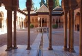 The Court of the Lions in Alhambra Palace, Granada Spain — Stock Photo