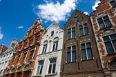Flamandzki domy elewacje w brugge, belgia — Zdjęcie stockowe