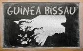 Der umriß von guinea-bissau an tafel — Stockfoto