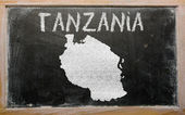 Outline map of tanzania on blackboard — Stockfoto