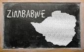 黑板上的津巴布韦大纲地图 — 图库照片