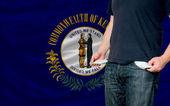 Genç adam ve toplum amerikan devlet k durgunluk etki — Stok fotoğraf
