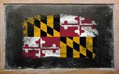 Flaga nas stan maryland na tablica malowane z kredy — Zdjęcie stockowe