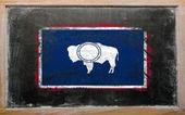 флаг сша вайоминг на доске окрашены с мел — Стоковое фото