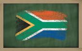 Nationale vlag van zuid-afrika op blackboard geschilderd met krijt — Stockfoto