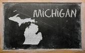 密歇根州黑板上概述我们的地图 — 图库照片