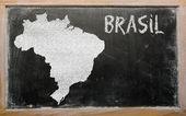 黑板上的巴西大纲地图 — 图库照片