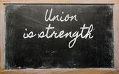 Uttryck - unionen är styrka - skriven på en skola svart tavla — Stockfoto