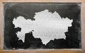 Carte muette du kazakhstan sur tableau noir — Photo