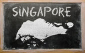 Outline map of singapore on blackboard — Stock Photo