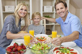 Parents Child Family Healthy Food & Salad At Dining Table — Stock Photo