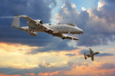 A-10 Thunderbolt flying through the sky — Stock Photo