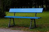 Niebieska ławka — Stock Photo