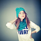 Beautiful teenager in winter clothes — Stock Photo