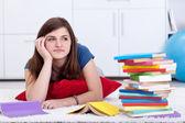 Sonhar acordado pelos livros de escola — Foto Stock
