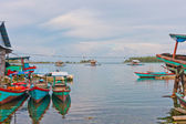 Zwevende vissersdorp in banyak archipel — Stockfoto