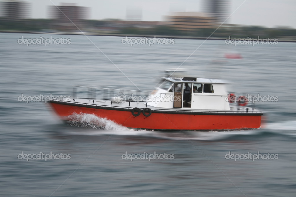Boat Cruising in motion at high speed — Stock Photo #8039689