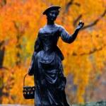 Beautiful statue — Stock Photo #8160300