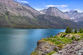 Scenic Saint Mary lake — Stock Photo