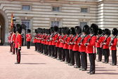 Guard change in Buckingham Palace — 图库照片
