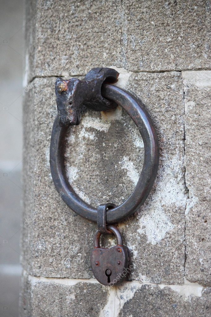 Horse handle in a old medieval building — Stock Photo #8690924