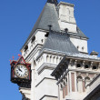 Clock at Royal Court of Justice — Stock Photo
