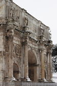 Arch of Constantine under snow — Stock Photo