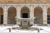 Fontaine de la navicella sous la neige — Photo