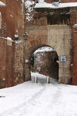 Medieval corner of Rome under snow — Stock Photo