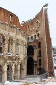 Colosseum under snö — Stockfoto