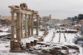 雪の下でローマのフォーラム — ストック写真