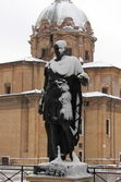 Statue of roman emperor Julius Caesar under snow — Stock Photo
