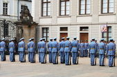 Guard change in in Prague Castle — Stock Photo