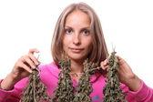 Mujer joven con plantas medicinales, aislado — Foto de Stock