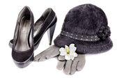 Sombrero y zapatos con tacones — Foto de Stock