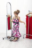 I 'm pretty - meisje met grote kleren — Stockfoto