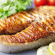 Foto Stock: Grilled salmon steak