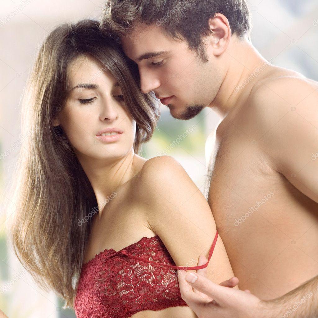 Coppia facendo l 39 amore nel letto foto stock g studio 9615559 - L amore a letto ...