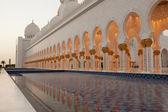 Die weiße moschee — Stockfoto