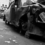 Broken half-rotten old car — Stock Photo