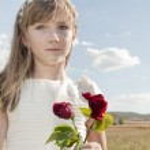 Girl communion dress — Stock Photo