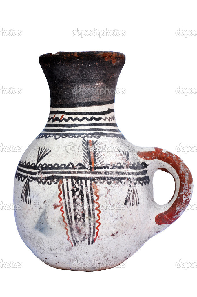Ancient terracotta pot. Archaeological object — Stock Photo #8760752