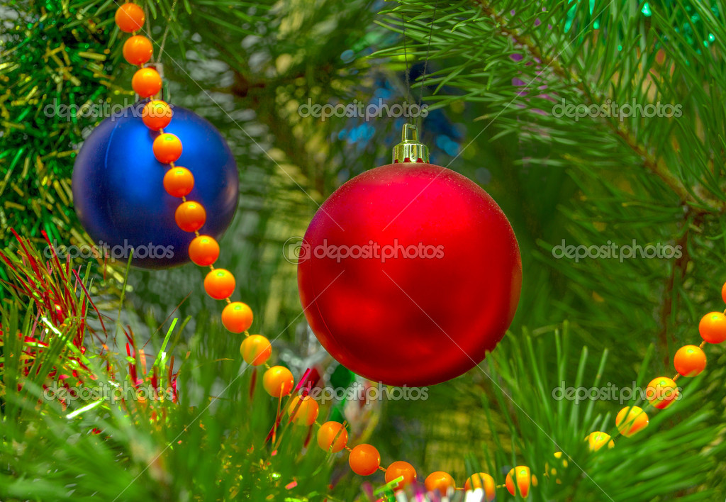 Christmas-tree decorations on a christmas fur-tree — Stock fotografie #8555409