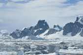 Mountains of Antarctica - 2. — Stock Photo