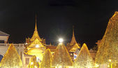 Grand Palace at night, the major tourism attraction in Bangkok, — Stock Photo