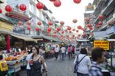BANGKOK - December 30: Red lanterns and decorations span Yaowara — Stock Photo
