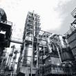 Oil and gas refinery — Stock Photo #8014918