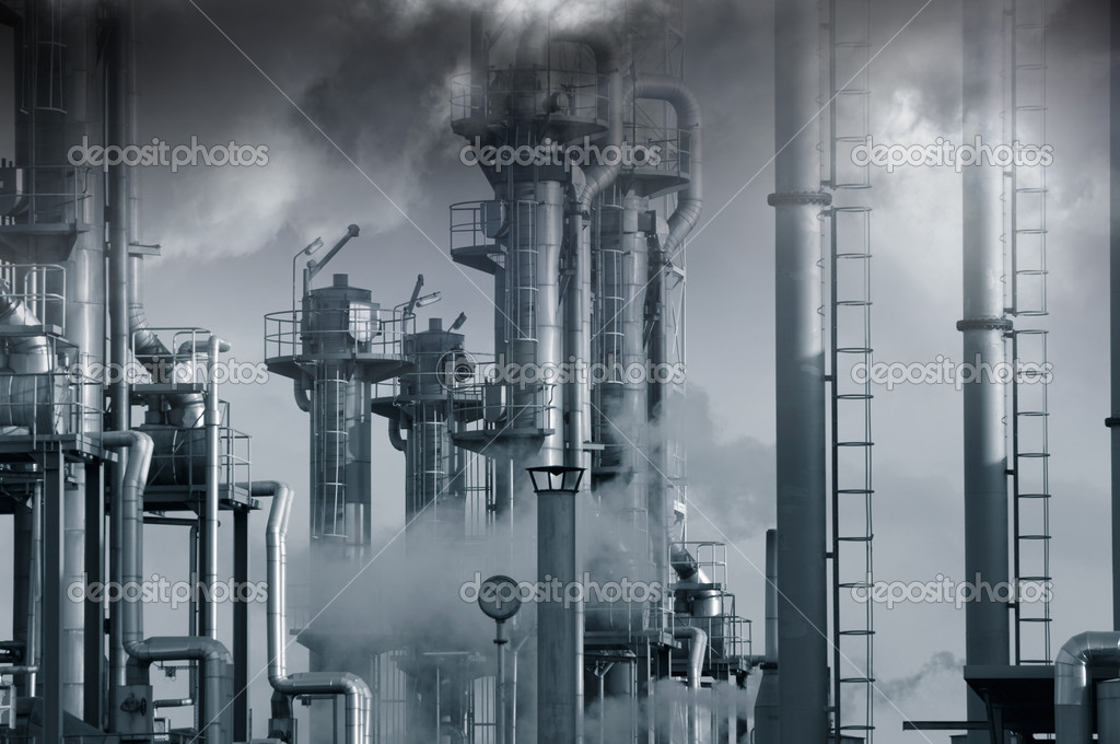 Oil and gas industry under heavy clouds — Stock Photo #8958353