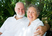 Senior Couple in the Tropics — Stock Photo