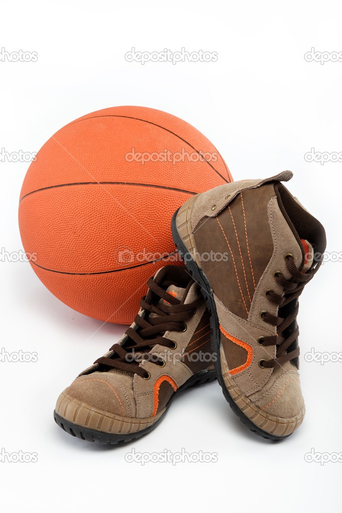 The new sports shoes with the ball on a white background. — Stock Photo #9543613